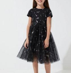 Rochie pentru fetele brandului ZARINA