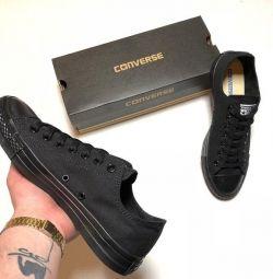 Μαύρα πάνινα παπούτσια