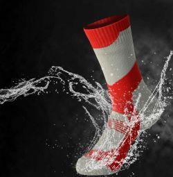 Waterproof and membrane socks