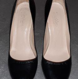 Γνήσια παπούτσια MAX MARA 40r.