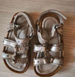 Sandale din piele