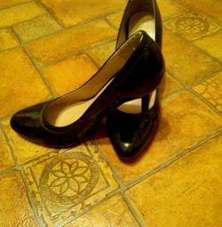 Ayakkabı verniği