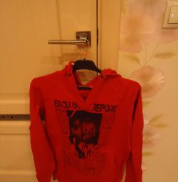 Sell ​​sweatshirt. URGENT