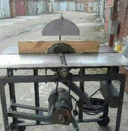 Ξυλουργική μηχανή.