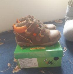 черевики 25р