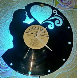 Часы Love is