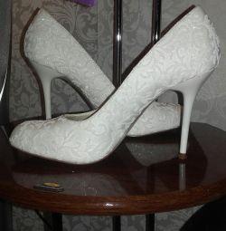Свадебные туфли и чулки в 🎁
