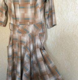 Плаття в клітку