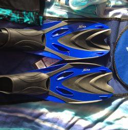 Flippers μέγεθος 34-35, γυαλιά, καπάκι, κορμούς κολύμβησης