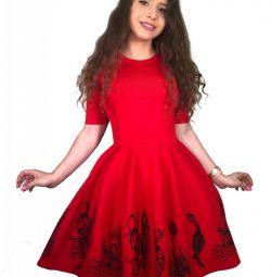 Платье из Итальянского трикотажа с пышной юбкой