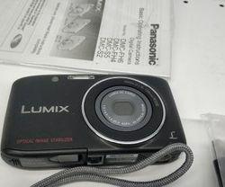 I sell the digital camera Panasonic Lumix DMC S2
