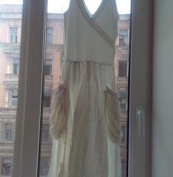 İnce bir kız için beyaz elbise