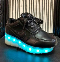 Boots 41 r glow in different colors with a roller