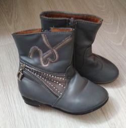 Μπότες για το κορίτσι 24-25 μεγέθους