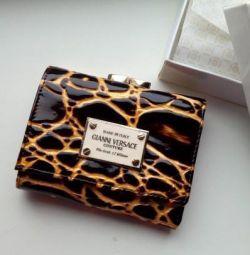 Πορτοφόλι από τη φύση. δέρμα gianni versace