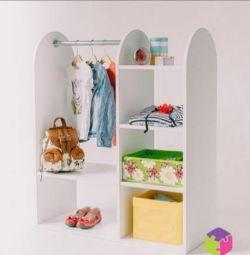 Children's wardrobe in the spirit of Montessori
