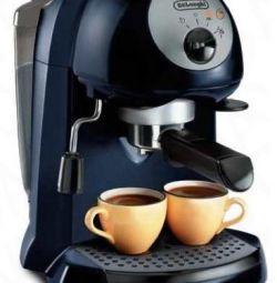 Рожковая кофеварка Delonghi EC 190, б/у 2 раза