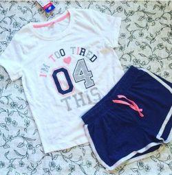 футболка і шорти