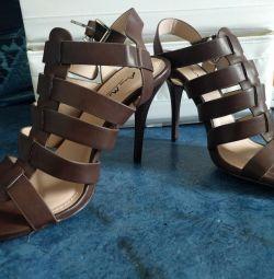 Sandals new 37-37.5