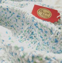 Knitted plush blanket