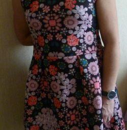 Отличное платье 46-48 размер в отличном состоянии