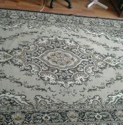 Carpet. (Postiran)