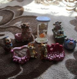 Standuri telefonice, Figurine