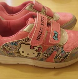 Hello kitty sneakers. Size 29.