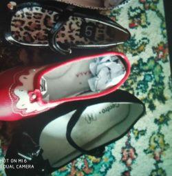 Νέα παπούτσια και δερμάτινα παπούτσια μπαλέτου 36r.