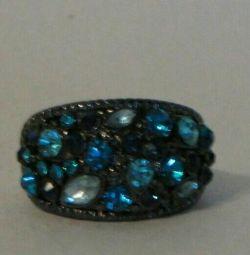Новое кольцо со стразами