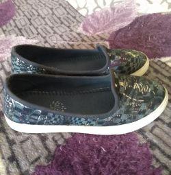 Cizme de papuci 37 r