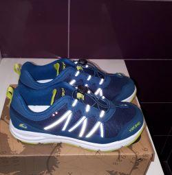 Yeni Viking spor ayakkabı
