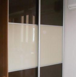 Ενσωματωμένη ντουλάπα συρόμενη