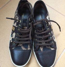 D&G sneakers