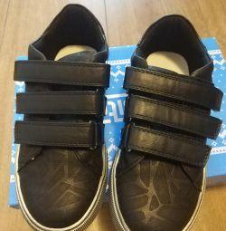 Νέα χαμηλά παπούτσια, 31 σ.
