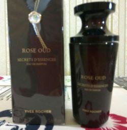 ROSE OUD Secret d'essences Yves Rocher.
