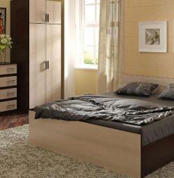 кровать стандарт в наличии.