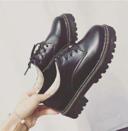 Лоферы туфли новые