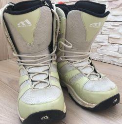 Boots 38 pentru snowboarding