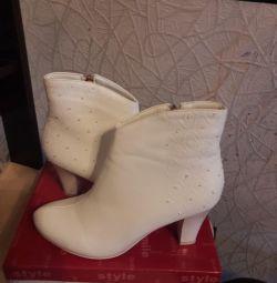Düğün ayak bileği botları.