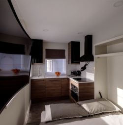 BRIGHT STUDIO + BILLS + WIFI  only 10 minutes on tube from Baker Street
