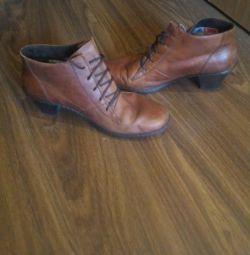 Γνήσιες δερμάτινες μπότες