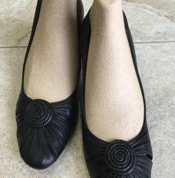 Παπούτσια. Φυσικό δέρμα. P 38, στα πέλματα των 24 cm.