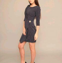 Платье синее, очень эффектное! ,42 размер