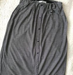 PULL & BEAR Floor Skirt