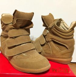 Women's Snickers. Sneakers