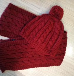Set (scarf, hat)