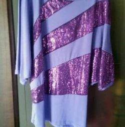 Blouse with sequins