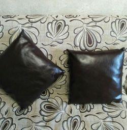 Διακοσμητικά μαξιλάρια.