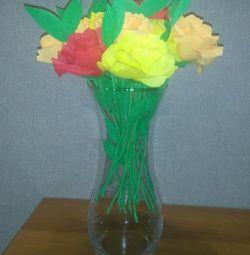 Flori de hârtie ondulată.